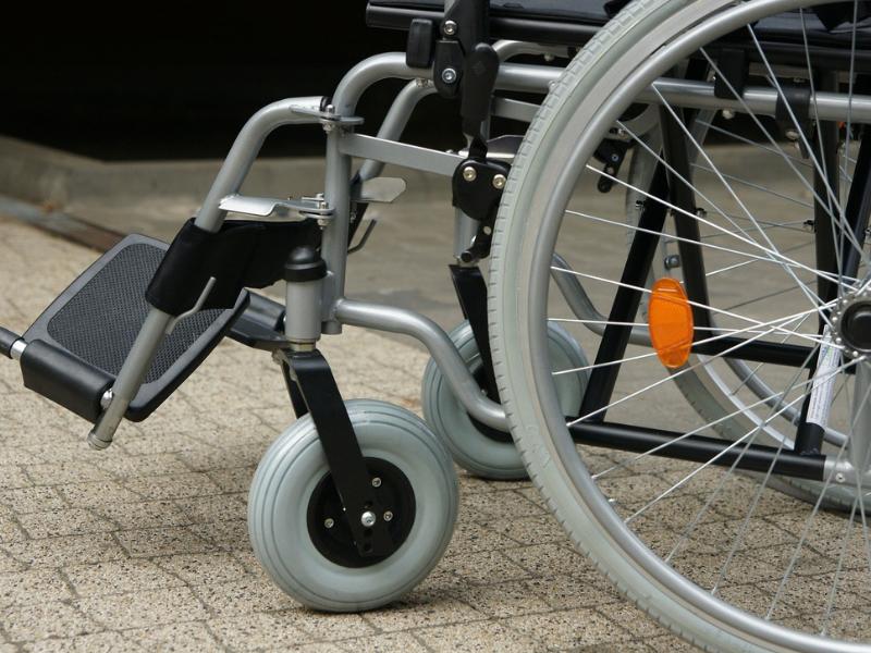 niepełnosprawny, wózek inwalidzki